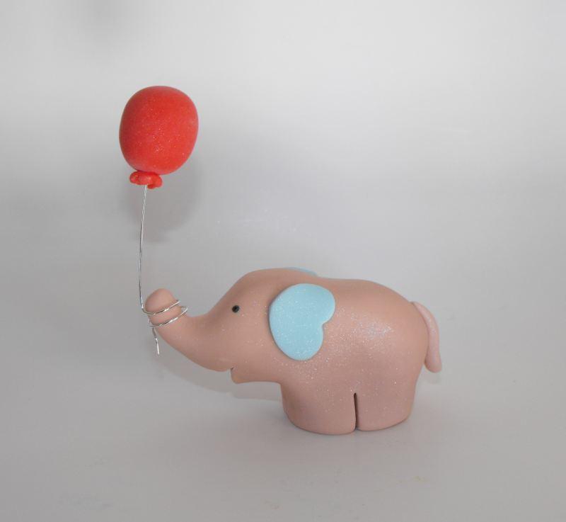 ElephantStandingBalloon